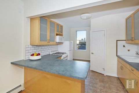 11 36 31st Ave Unit 4, Queens, NY 11001