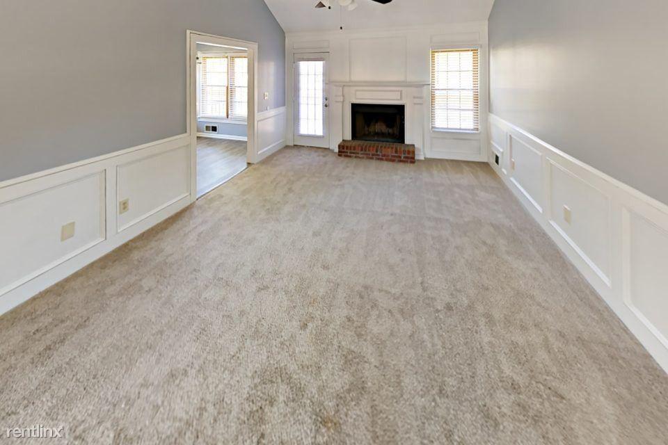 Floor And Decor Conyers Ga  from ap.rdcpix.com