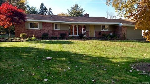 32951 Haverford Rd, Franklin Vlg, MI 48025