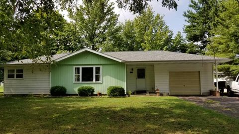 207 W Lucy St, Noble, IL 62868