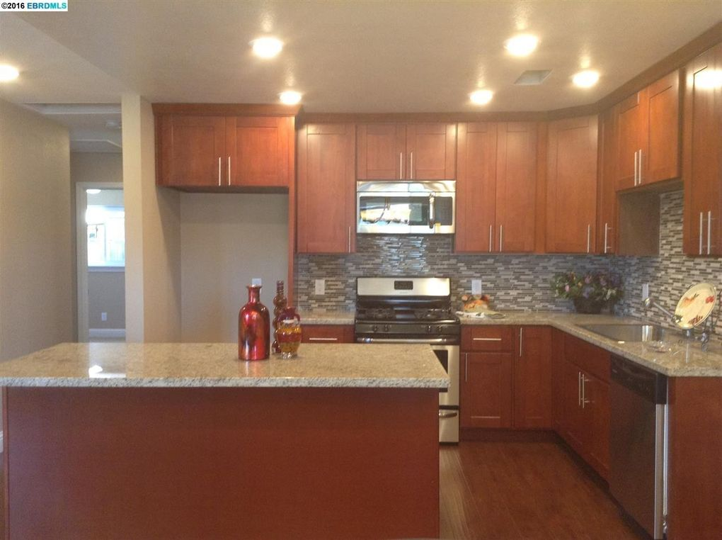 176 el camino dr pittsburg ca 94565 for Kitchen cabinets 94565