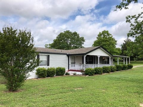 Photo of 2282 County Road 3282, Buffalo, TX 75831
