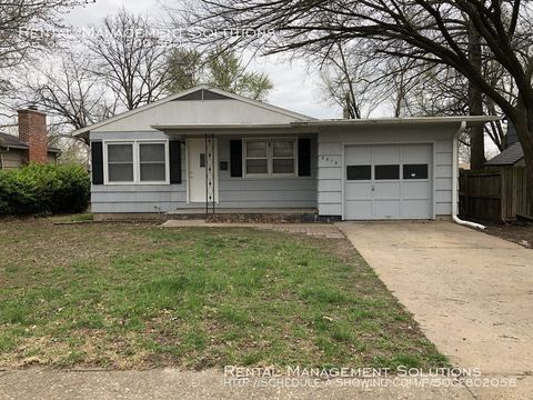 Photo of 5519 Sw 27th Ter, Topeka, KS 66614