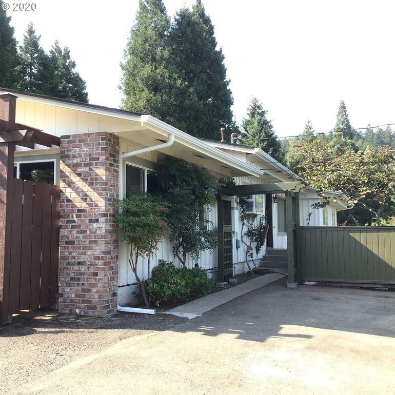521 SE Hillside Dr Roseburg, OR 97470