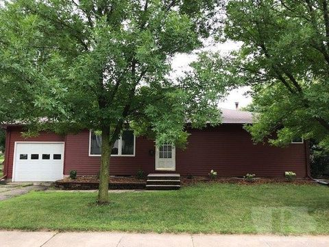 322 Indiana Ave, Iowa Falls, IA 50126