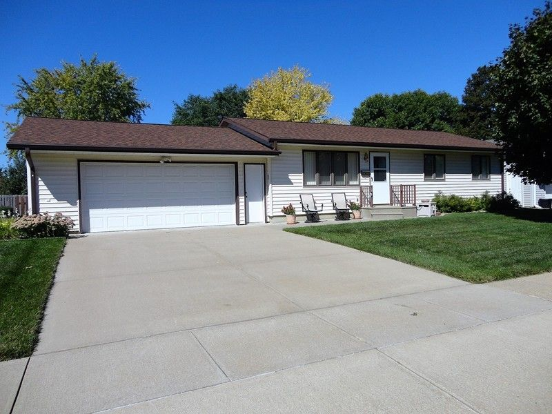 2407 walnut st yankton sd 57078 home for sale and real