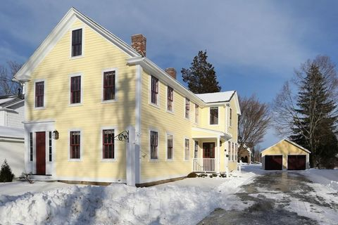64 Central St, Southborough, MA 01745