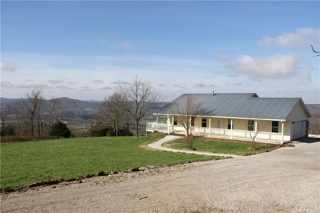 647 County Road 905, Green Forest, AR 72638