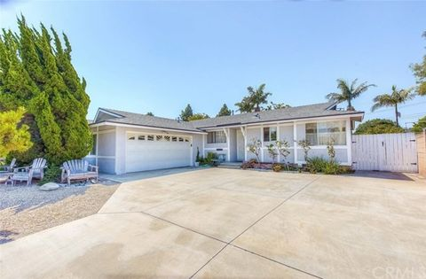 '19071 Hamden Ln, Huntington Beach, CA 92646' from the web at 'https://ap.rdcpix.com/1603054919/e61b2f244dd745cf243f2df6a4f094c4l-m0xd-w480_h480_q80.jpg'