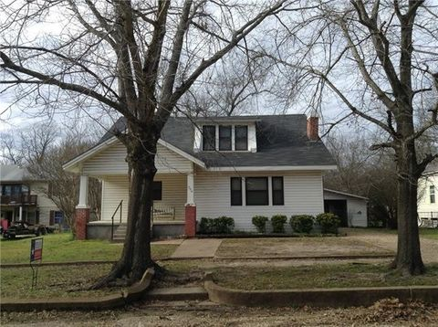 Photo of 304 Nw 3rd St, Hubbard, TX 76648