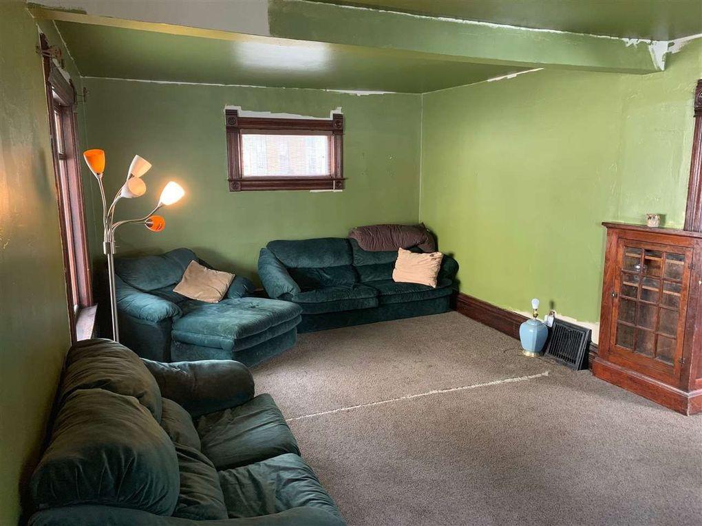 1306 Cass St, Green Bay, WI 54301