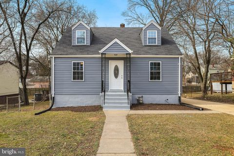 Photo of 4404 73rd Ave, Hyattsville, MD 20784