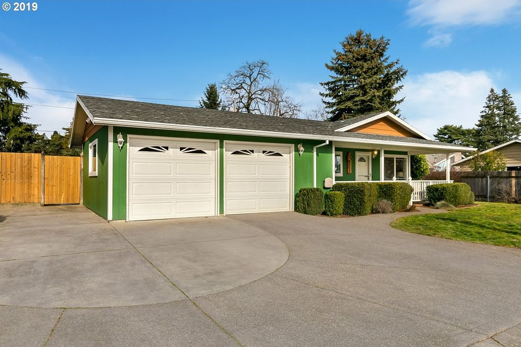 15111 Se Caruthers St, Portland, OR 97233