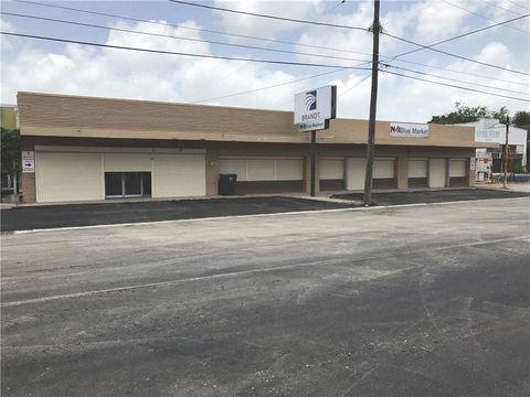 Photo of 821 S Staples St, Corpus Christi, TX 78404