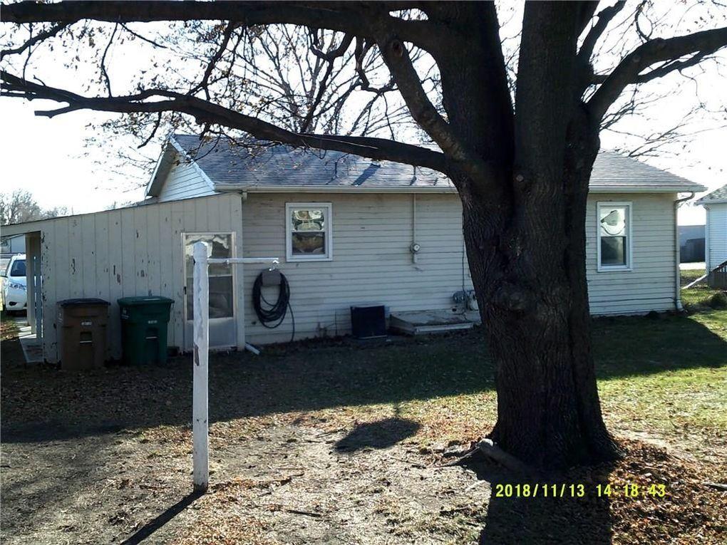 113 1st St Nw, Mitchellville, IA 50169