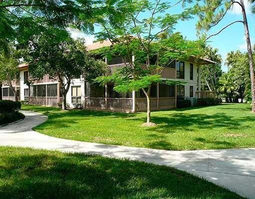 105 Brackenwood Rd, Palm Beach Gardens, FL 33418