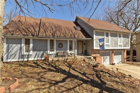 Photo of 12600 W 73rd Ter, Shawnee, KS 66216