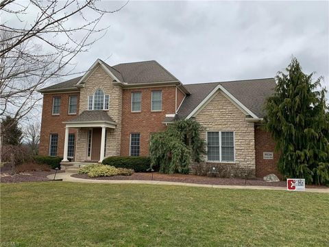 8034 Camden Way, Canfield, OH 44406