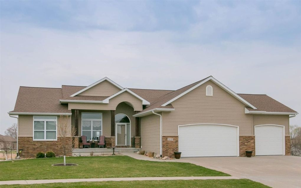 1640 Stone Creek Cir North Liberty, IA 52317