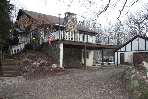 Photo of 613 N Taliesin Rd, Wales, WI 53183