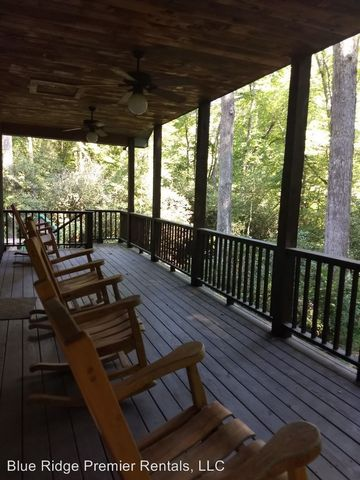 Photo of 211 Happy Nest Rd, Sylva, NC 28779