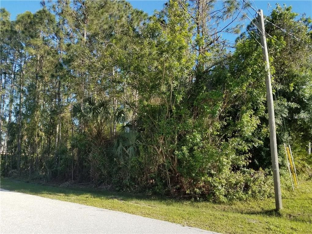 Heberling Ave, North Port, FL 34288