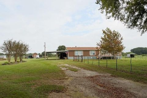 10150 County Road 1122, Athens, TX 75751