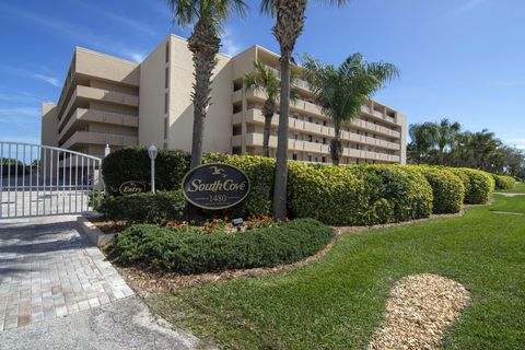 Photo of 1480 Ocean Dr Apt 2 C, Vero Beach, FL 32963