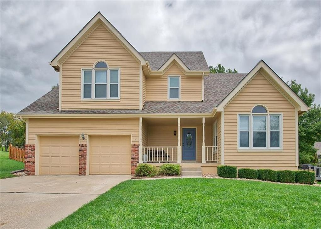 2431 S Seminole Dr, Independence, MO 64057