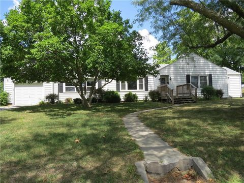116 W 2nd St, Stanberry, MO 64489