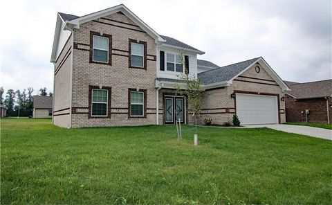 4881 E Clearview Dr, Mooresville, IN 46158