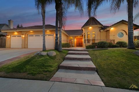 Photo of 12001 Graceville Ct, Bakersfield, CA 93312