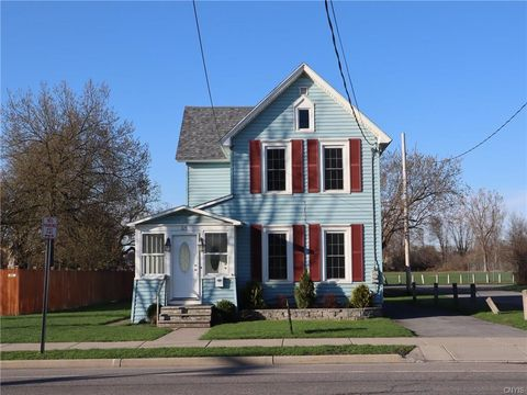 825 Coffeen St, Watertown, NY 13601