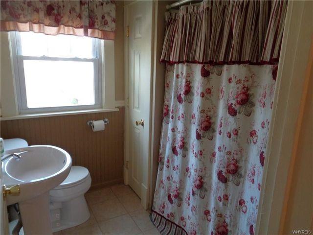 Bathroom Remodeling Niagara Falls Ny 1002 college ave, niagara falls, ny 14305 - realtor®
