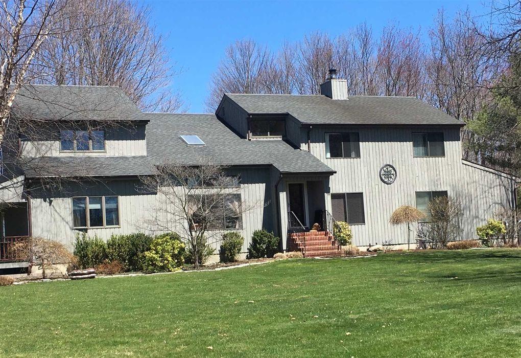 11 Apple Hill Dr, Cortlandt Manor, NY 10567