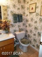 4728 meadowview rd marianna fl 32446 bathroom