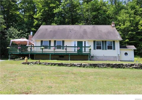 363 Mongaup Rd, Hurleyville, NY 12747