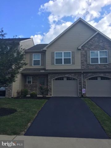Photo of 6217 Autumn View Dr, Harrisburg, PA 17112