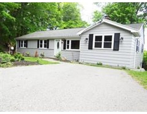 29 Fairlane Way, Holliston, MA 01746