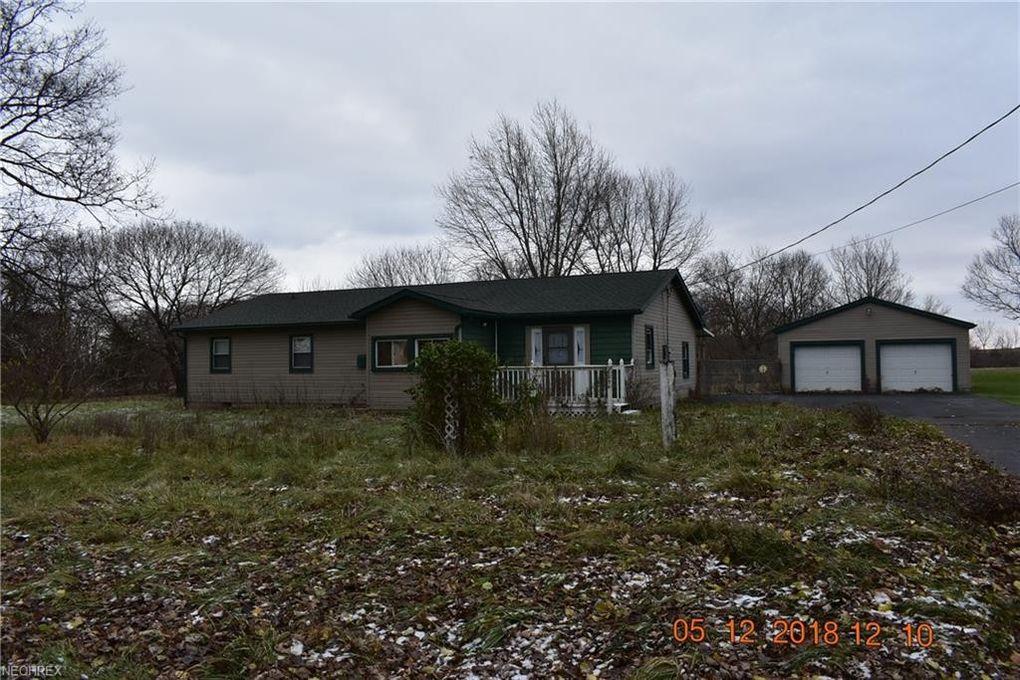 4206 Harris Rd, Sandusky, OH 44870