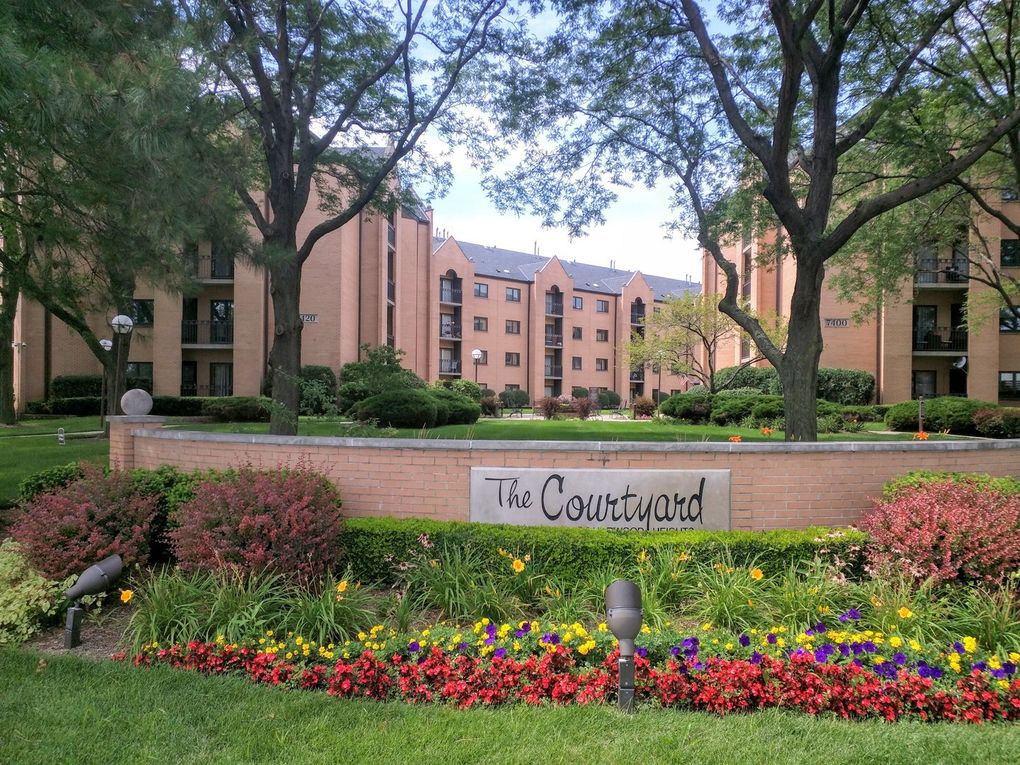 7400 W Lawrence Ave Unit 131 Harwood Heights, IL 60706