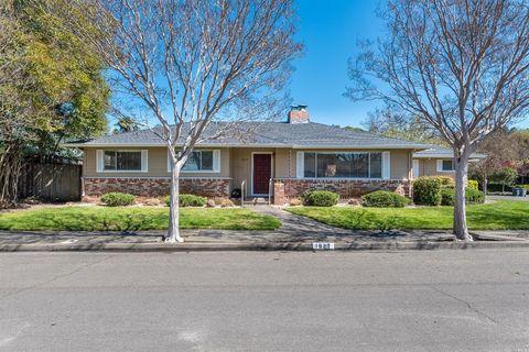 1827 Pamela Dr, Santa Rosa, CA 95404