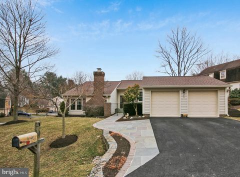 Photo of 2 Mastenbrook Ct, Montgomery Village, MD 20886