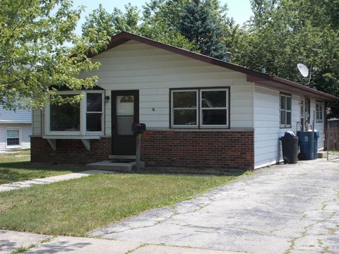 Photo of 3041 Green St, Steger, IL 60475