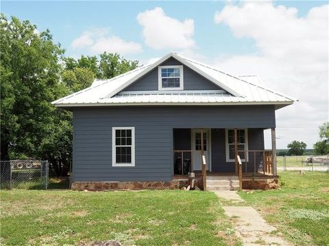 Photo of 200 River Oaks Rd, Early, TX 76802