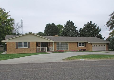 Photo of 580 Valley Dr, Colby, KS 67701