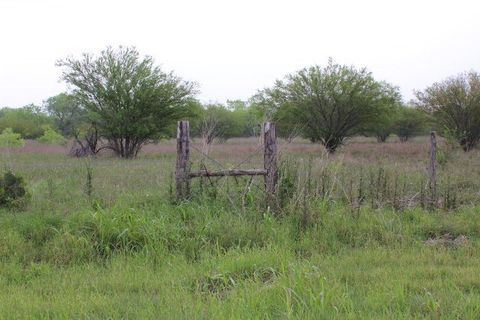 Photo of 12856 County Road 132, Pawnee, TX 78145