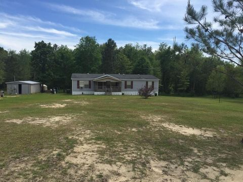21 Ullrike Rd, Richton, MS 39476