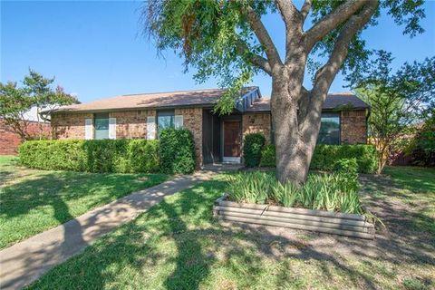 Photo of 3300 Rose Hill Rd, Carrollton, TX 75007