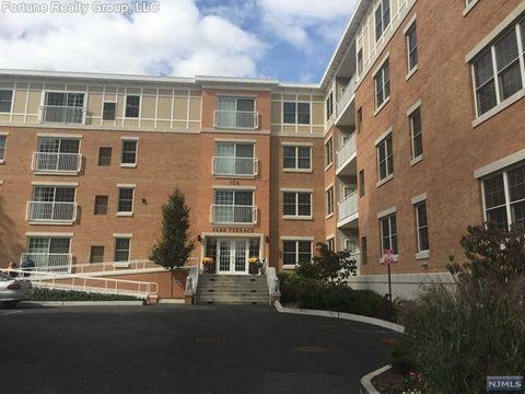 210 Terrace Ave Unit 316, Rochelle Park, NJ 07662. Condo/Townhome For Rent